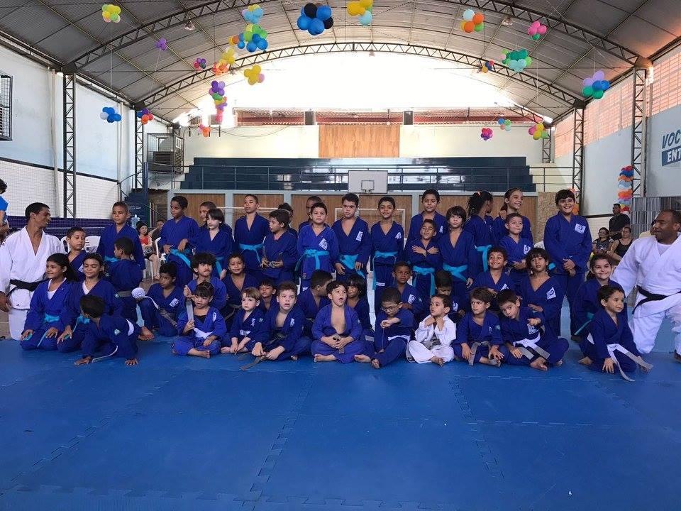 Graduação dos alunos do judô é realizada no ginásio