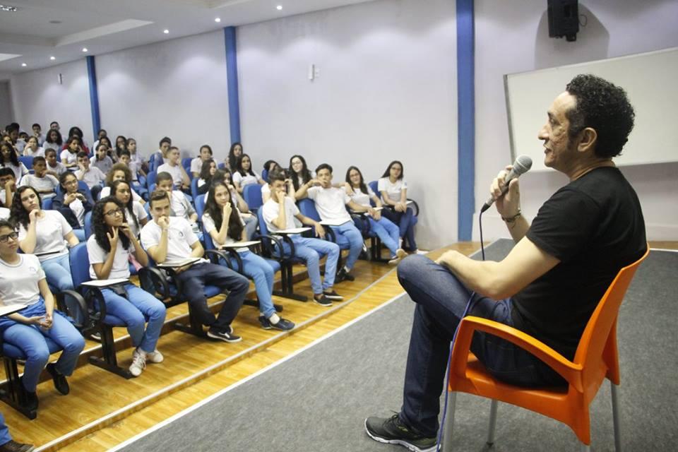 Bate-papo literário com o Escritor Piauiense Eduardo Prazeres.